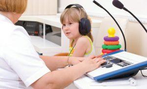 شنوایی شناسی کودک کم شنوا