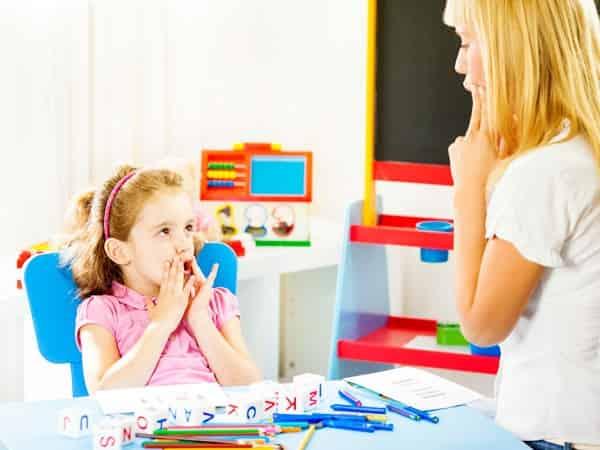 درمان لکنت زبان کودکان در خانه