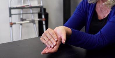 خم کردن مچ دست